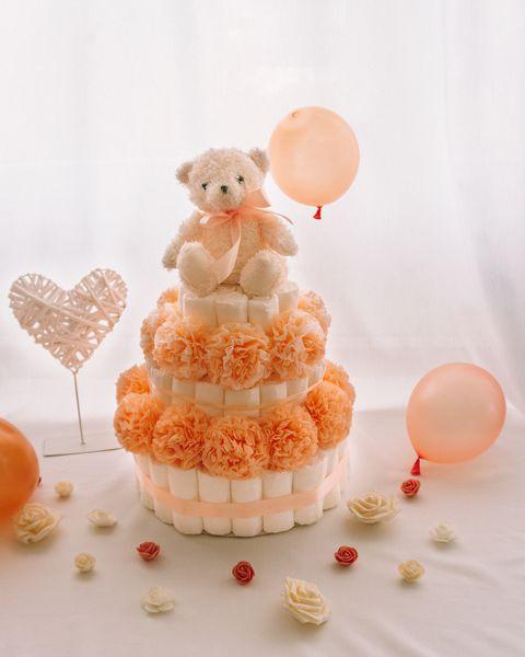 Torta iz plenic Mandi dekorirana baby shower