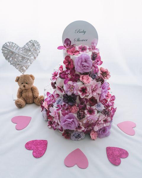 Torta iz plenic Flora dekorirana baby shower